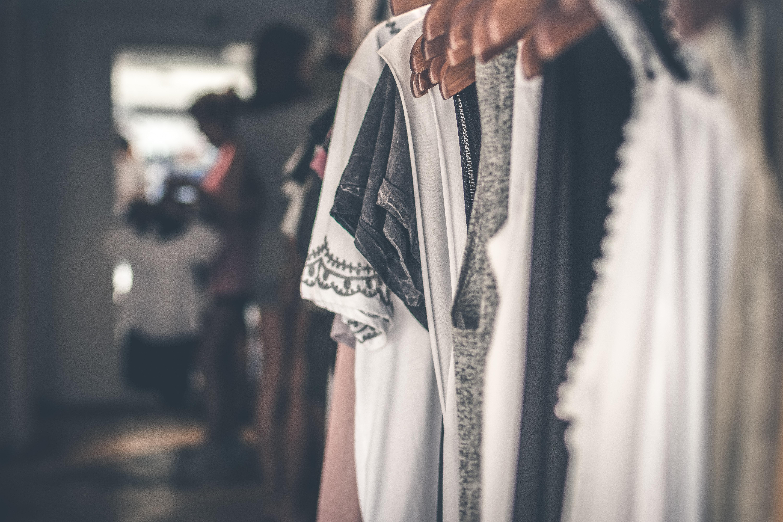 Comment ouvrir une boutique de vêtements en ligne